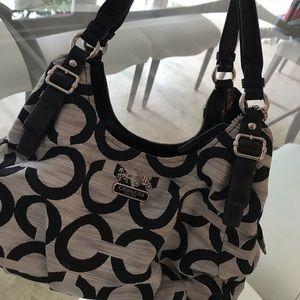 Coach Shoulder Bag (practically brand new)